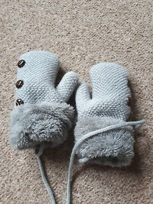 Kids Knitted Mits