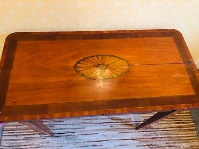 A pair of Georgian console/side tables