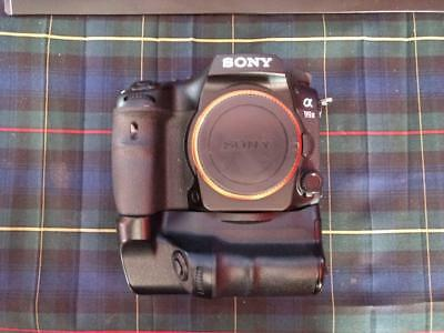 Sony a99II 42.4MP, Sony VG-C77AM Vertical Grip, 4x Batteries, 2x Chargers, Box