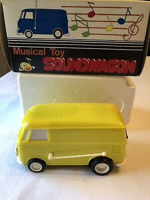 Vtg 70s Tamco Volkswagen VW Bus Soundwagon Musical Toy Record Player Japan