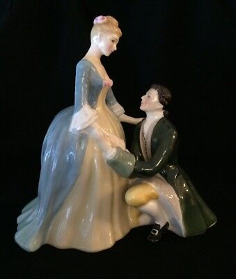 """Royal Doulton Figurine """"THE SUITOR"""" HN 2132 - 7 1/2"""" - Excellent condition"""