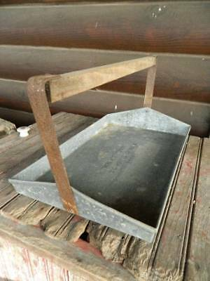 Vtg Galvanized Metal wood handle fruit picking tray farmhouse primitive