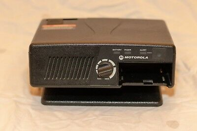 Motorola RLN5869A Amplified Charger and antenna for Minitor V (5) Pager