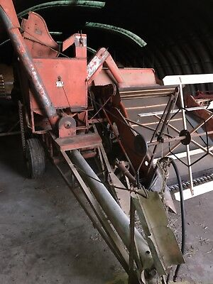 Allis Chalmers 66 pull type combine All Crop. Field Ready.Used This Year. Nice!