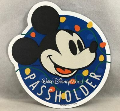 Walt Disney World Annual Passholder Magnet 2017 Holiday Christmas Mickey Lights