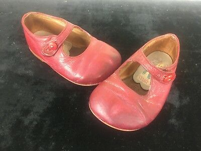 Vintage Start Rite Girls Shoes Red Size 2 1/2 - Great Display