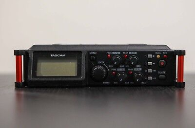 Tascam DR-70D Linear PCM Recorder +++TOP+++