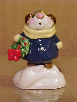 """Wee Forest Folk M-87 """"HOLLY MOUSE"""" With Wreath-1982-By AP-Retired 1997"""