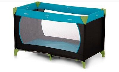 Hauck Dream'n Play Travel Cot - Water Blue comes with thick mattress