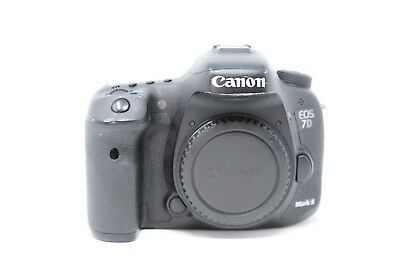 Canon EOS 7D Mark II Digital SLR Camera (Body Only) Free Shipping