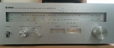 Vintage Yamaha Stereo AM FM Tuner Model CT-610 Silver face wood look cover Retro