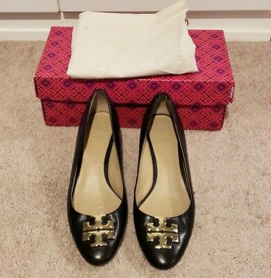 911827ae2c7 TORY BURCH RALEIGH black polished leather gold logo heels pumps ...