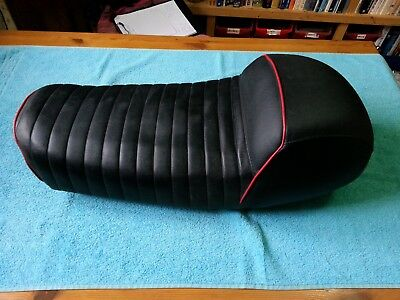 HONDA, CB 750 K2-K6, Seat/Saddle, OEM metal base, Giullari style foam + cover