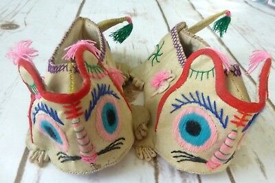 Vintage Childrens Slippers Embroidered Cats