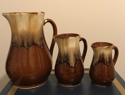ROBINSON RANSBOTTOM RRP Co. Roseville Brown Drip Pitcher Set  (11in, 7in, 6in)