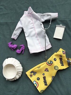 Barbie clothing/accessories