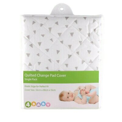 4Baby - Quilted Change Pad Cover - Triangles