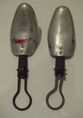 Vintage Mens folding Metal Shoe trees/stretchers size 5 - used good condition