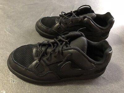 timeless design 741bf 1485c Baskets Nike Noires Taille 35