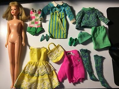 STUNNING Vintage Blonde Bendable Leg Francie Doll w/ Cothes & Shoes Very Nice!!!