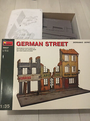 MiniArt German Street Diorama 1:35 Bausatz Kit 36037