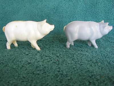 Pair of Vintage Hartland Pigs - Rack toys from late 60s - early 70s