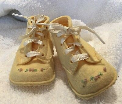 ANTIQUE vintage BABY  SHOES wool FELT Yellow Floral  Embroidery with Box