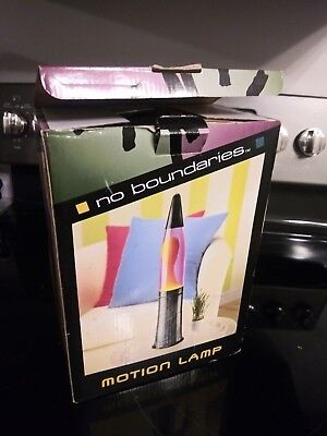 "No Boundaries ""motion Lamp"" Lava Nos New Old Stock In Box"