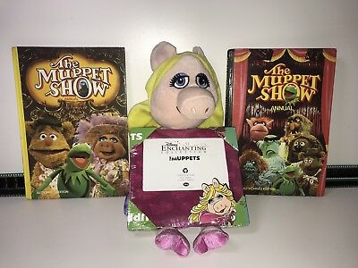 """The Muppet Show - 18"""" Miss Piggy Plush & Picture Frame & The Muppet Show Annuals"""