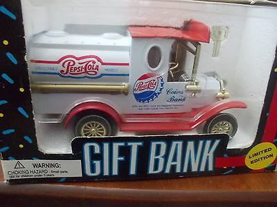 BNIB 1993 PEPSI COLA Coin BANK Ltd. Edition, Die Cast Metal Vintage TRUCK, Key!