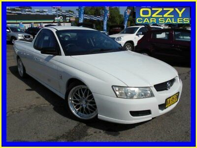 2004 Holden Commodore VZ White Automatic 4sp A Utility