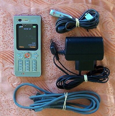 Sony Ericsson WALKMAN W880i Steel Mobile Phone GOOD CONDITION! (900 995 550 890)