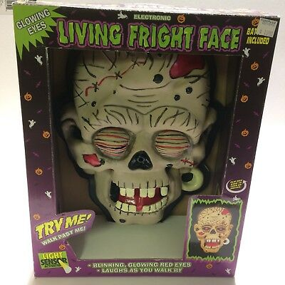 New  Animated Halloween Fright Frame Zombie Skull Red Eyes Creepy Laugh