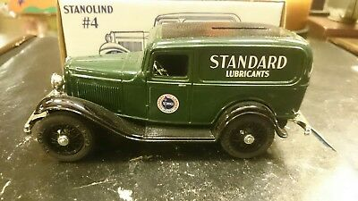 Ertl Standard Lubricants 1932 Panel Delivery Bank