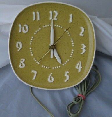 Vintage General Electric Ceramic Clock C.1953 Design by Russel Wright Mustard