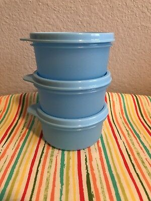 Tupperware SmallWonder Bowls Set Of 4 Light Blue with Matching Seal 8oz New