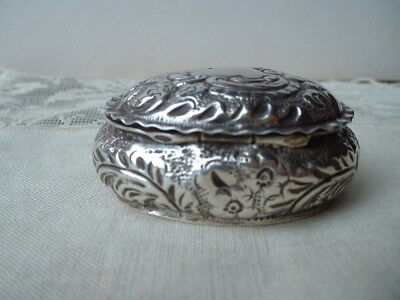 Antique Victorian Hm 1894 Sterling Silver Hinged Lid Pill Box Gilt Inner