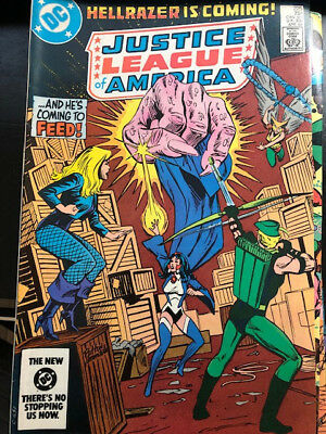 Excellent DC Comics Book Justice League of America Issue 225 April 1984 -