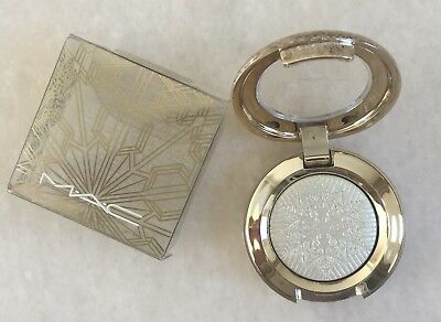 MAC Snow Ball Extra Dimension Eyeshadow Frostwinked Snowball Collection 2017