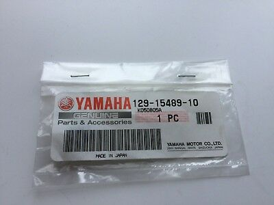 Yamaha FS1-E Grommet Pump Wire 129-15489-10 Genuine New Old stock.