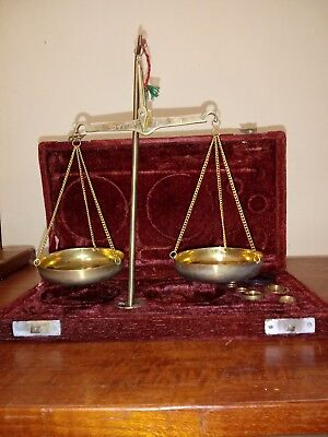 Vintage Brass Scale Jewelers / Pharmaceutical Apothecary Weights