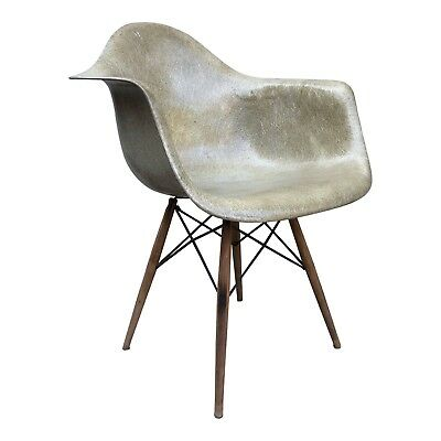 Eames DAW Zenith Dowel Base Dining Chair