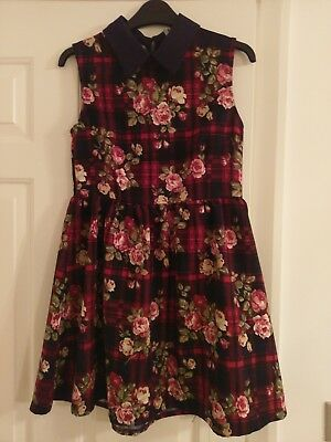 Lovely Floral Vintage Style Dress Handmade By Hearts & Bows Size 6