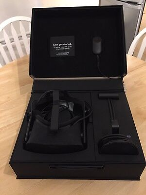 Oculus Rift Virtual Reality Headset - Black, Including Wireless Controller.