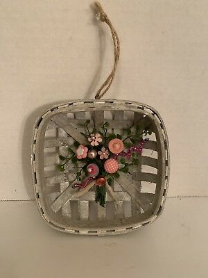 VTG Valentine Button Bokay/Wood Basket-Country Rustic Decor-Prim-Farmhouse Decor