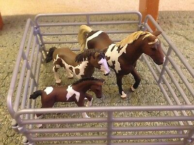 Lot Of 3 Schleich Horses Paints Trakehner Stallion Yearling Foal With Fences