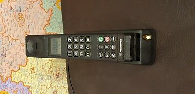 MOTOROLA INTERNATIONAL 3200  VINTAGE HANDY , ohne ANTENNE