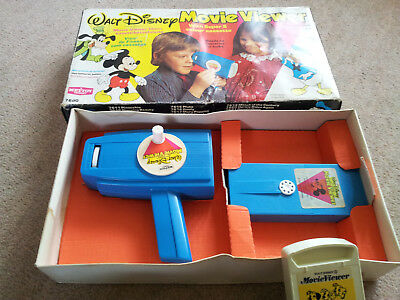 Walt Disney Movie Viewer. A Mettoy Product Vintage + extra cassette.