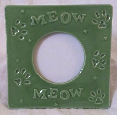 """Cat Picture Frame Ceramic Green Meow Paw Print 3-D Easel 3"""" Round Photo RUSS 6x6"""