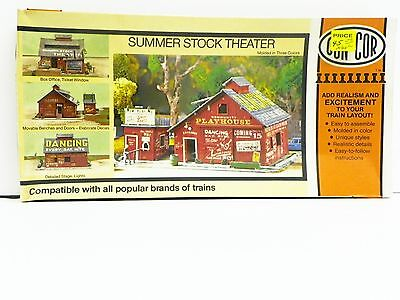 """Con-Cor Ho U/a """"summer Stock Theater"""" Plastic Model Kit #9035 New Old Stock"""